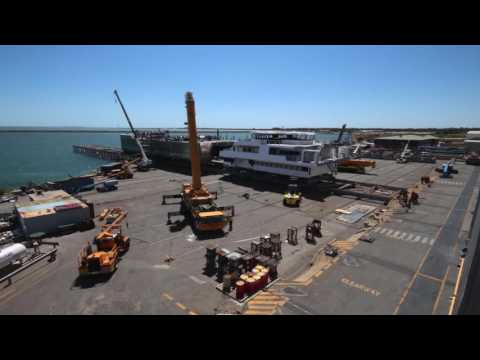 Hull 392 TIMELAPSE CONSTRUCTION