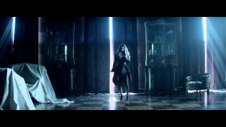 Gambar cover Demi Lovato - Let It Go (From 'Frozen') [Official] Music Video