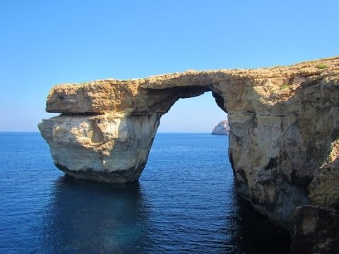 "Azure Window. Gozo. ""Face"" on the rock."