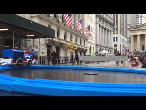 【juguetes de trenes】 Plarail Mickey Mouse Circus Locomotive visit Wall Street NYSE,New York 02095 es