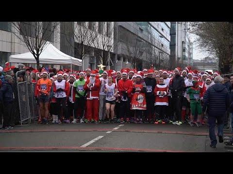 شاهد: من فرنسا إلى كوسوفو.. سباق خيري للعشرات من المشاركين في زي سانتا كلاوس …  - نشر قبل 2 ساعة