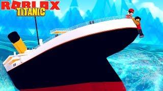 ROBLOX TITANIC - SURVIVING THE TITANIC CRASH IN ROBLOX!!