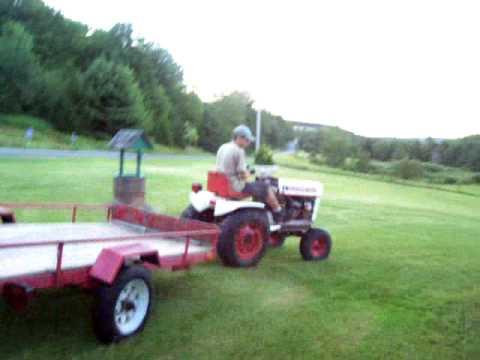 Bolens tractor-look1 | FunnyDog.TV