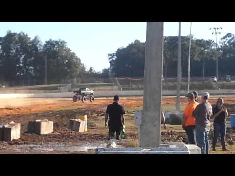 Putnam county speedway tuff truck!