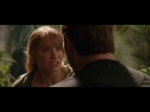 Jurassic World Fallen Kingdom (2018)-Indoraptor Chase Maisie And Claire Kissing Owen