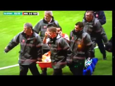 Arsenal's Theo give two finger to Spurs