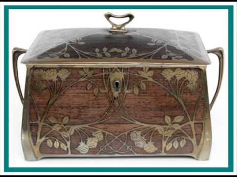 A wonderful antique Jewelry box Art Nouveau year 1905 Made in