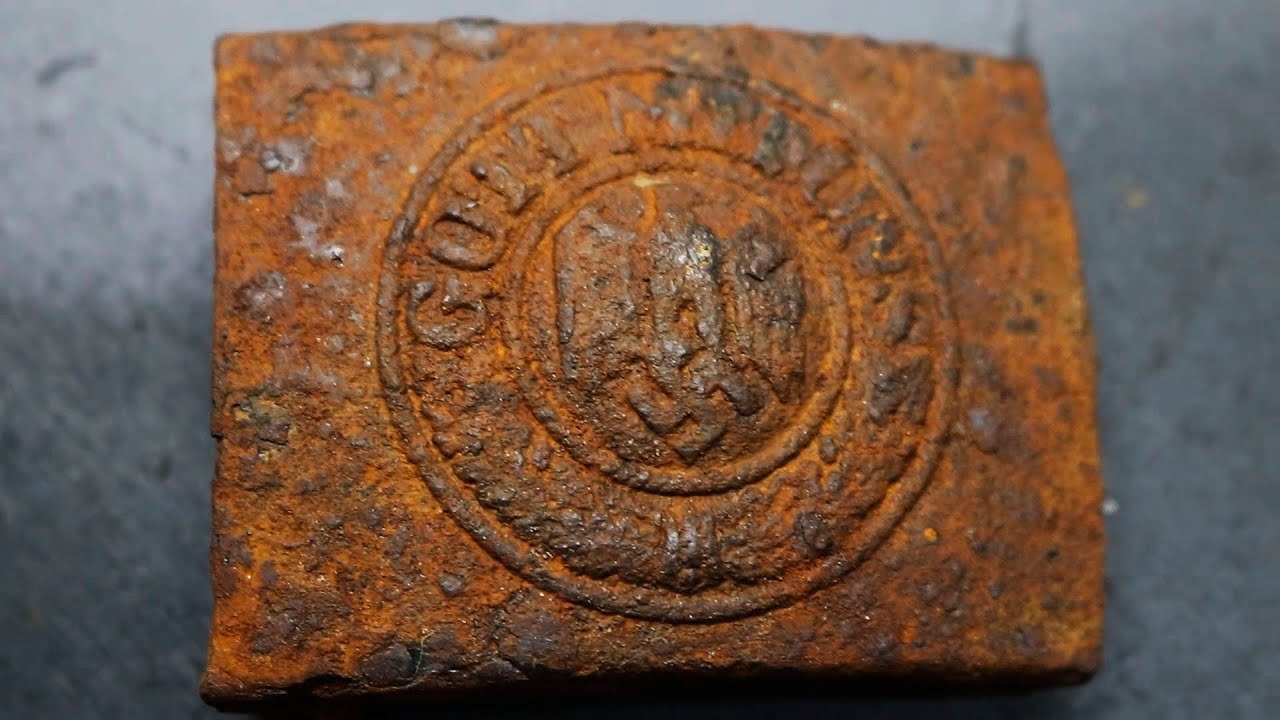 Electrolysis Rust WWII Wehrmacht buckle - Epic Fail