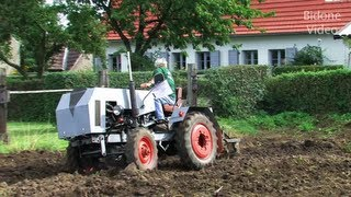 eigenbau traktoren pfl gen home made tractor plowing. Black Bedroom Furniture Sets. Home Design Ideas