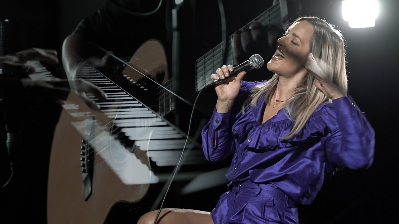 Tijana Bogicevic - Javna tajna / LIVE
