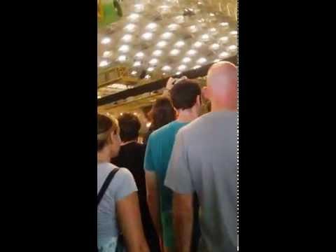 Entrada a Pista al Palau Sant Jordi U2 IETOUR 2015 05 Octubre