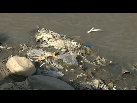 'I like plastic': Pakistan's toxic 'love affair' with waste | AFP