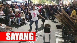 CUMAN ISENG JOGET MALAH BANJIR SAWER -- CALUNG FUNK MALIOBORO STREET MUSICIANS -- YOGYAKARTA MP3