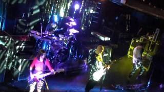 (HD) Smashing Pumpkins - Pissant - Terminal 5 - New York, NY - 10.18.11