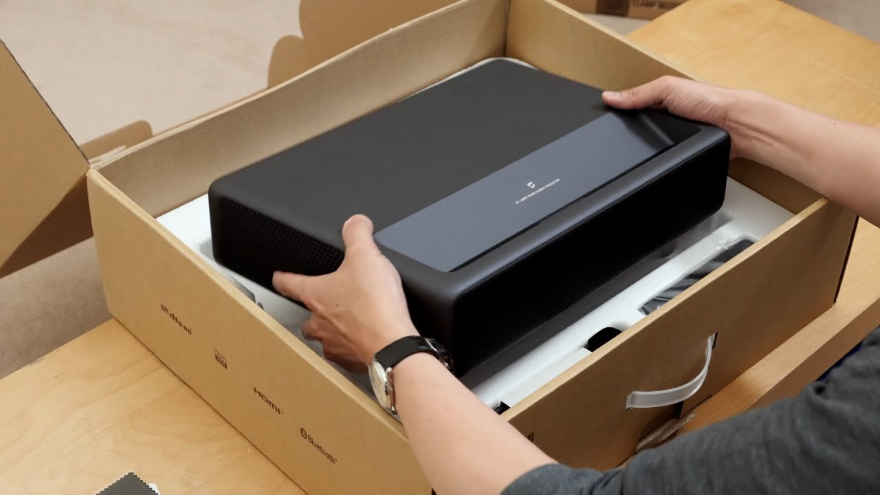 Xiaomi Mijia 4K Laser Projector Unboxing, Setup & Settings