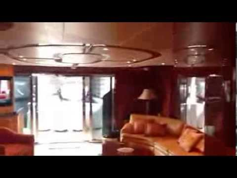80 Hatteras 2004 Yacht for sale - 1 World Yachts
