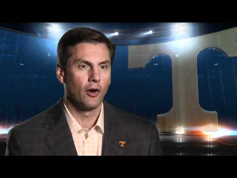 College Football - Tennessee Confident in Simms