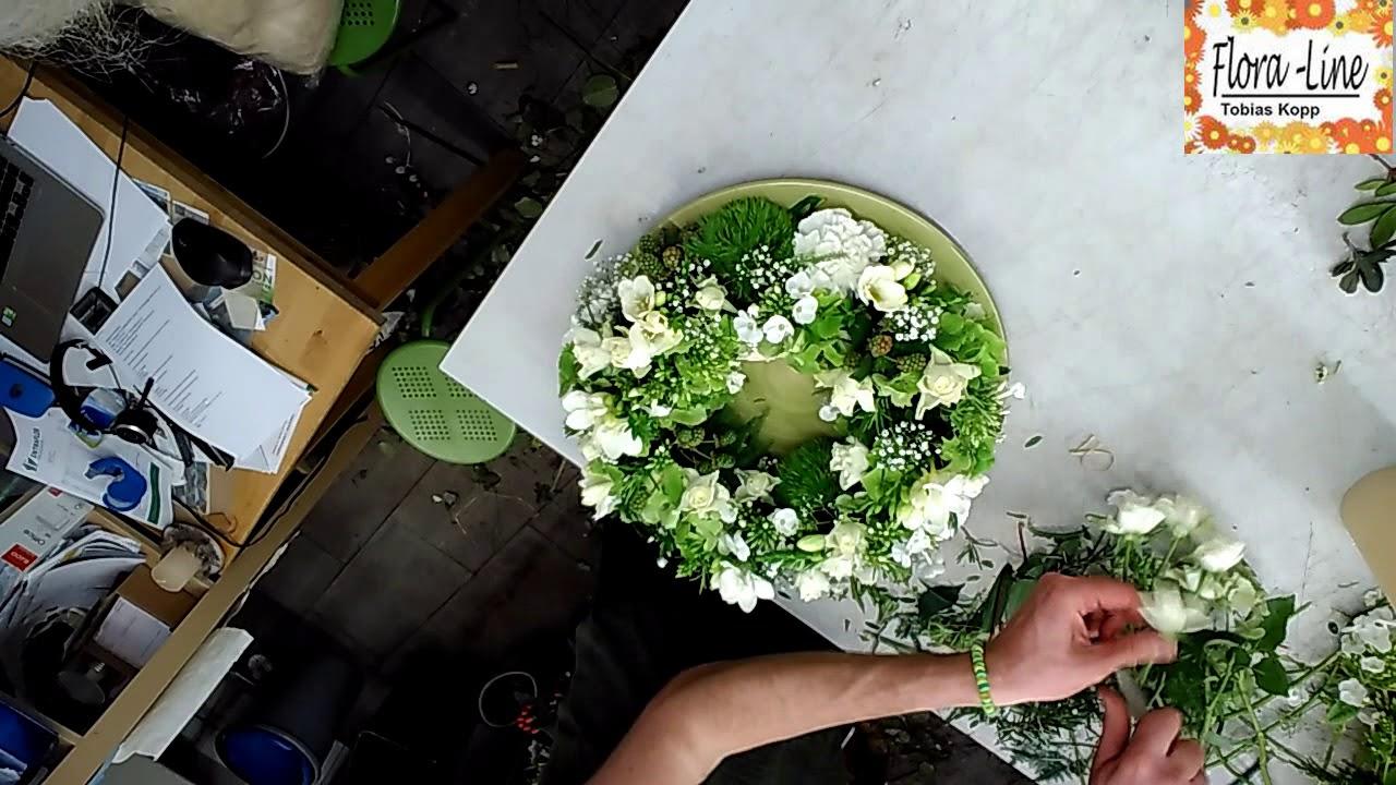 Diy Sommerkranz In Weiss Mit Kerze Tischdeko Hochzeitstisch