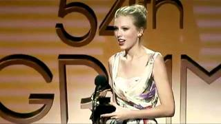 Taylor Swift - Accepting her award for ''Country Solo Performance'' (Mean) - Taylor Swift IRAN..mov