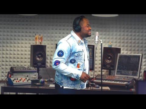 Moise Mbiye - Nako Zonga Te (clip Officiel)