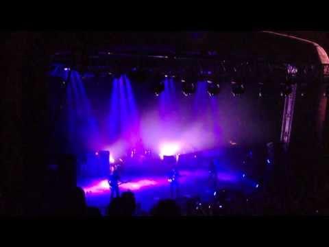 Arctic Monkeys - Do I wanna know? @Riviera theatre Chicago September 23, 2013