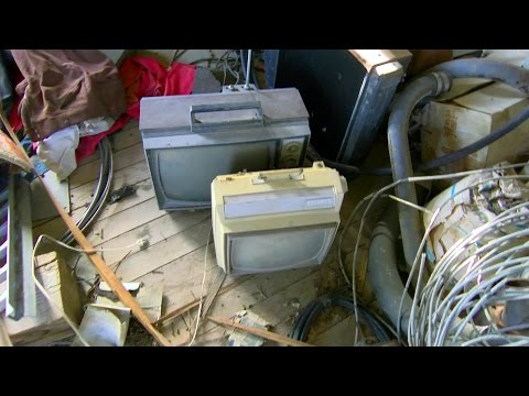 Vintage TV and Radio  Hunt in Abandoned Houses