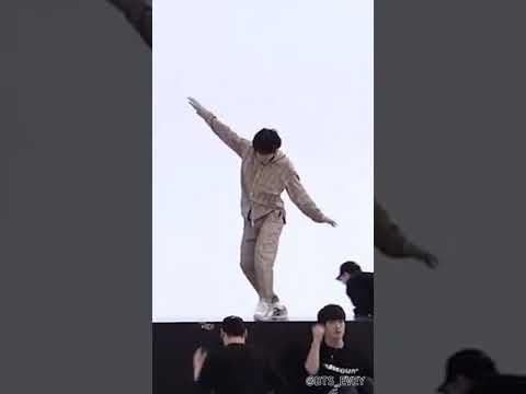 방탄소년단 (BTS) '2019 MMA Dionysus (dance break)' Dance Practice V focus