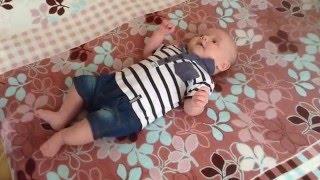 """Развитие ребенка. Упражнение """"Сорока белобока"""" для грудничков 3 месяца"""