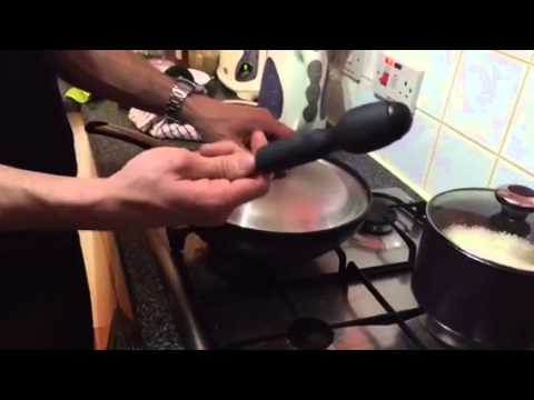 How to remove the lid stuck on pan