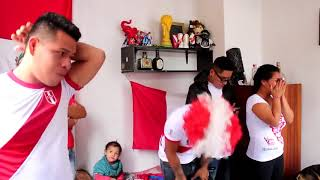 Hinchas peruanos y su reaccion al Peru - Dinamarca Rusia 2018