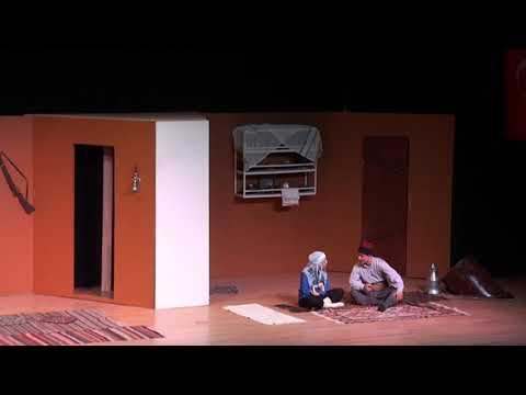 Eski Çarıklar Tiyatro Oyunu