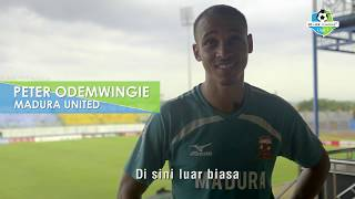 Video Ingin tahu apa saja komentar Peter Odemwingie selama tinggal di Indonesia? saksikan videonya download MP3, 3GP, MP4, WEBM, AVI, FLV Oktober 2017