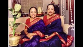 Dasara Pada: Karedare Barabarade (Bombay Sisters)