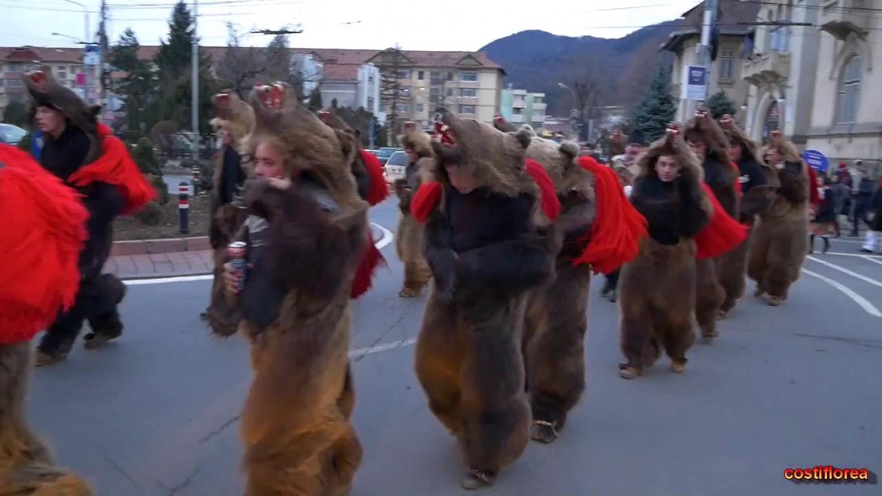 Ursii din Asau pe strazile din Piatra Neamt - Festivalul de Datini si Obiceiuri - Filmari evenimente