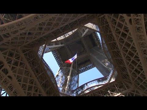 euronews (en français): 75 ans après, le drapeau français à la tour Eiffel