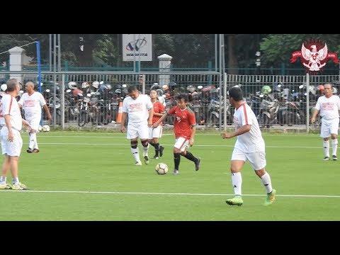 Tim Nasional Wanita Kalahkan Legenda Timnas Indonesia 3-2 di Laga Uji Coba