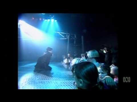 Martika -  'I Feel The Earth Move' ('Countdown Revolution' 17/11/90)