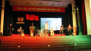Sinh viên HV An ninh chơi Ghita cực chất - hát Cây bàng tưởng nhớ Trần Lập