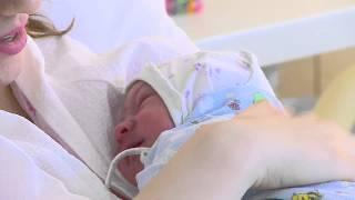 Уникальный случай естественных родов в роддоме Медицинского центра «АВИЦЕННА»(Ольга, счастливая мама теперь уже троих детей, вместе с новорожденным сыном выписалась из родильного дома..., 2015-05-16T05:25:41.000Z)