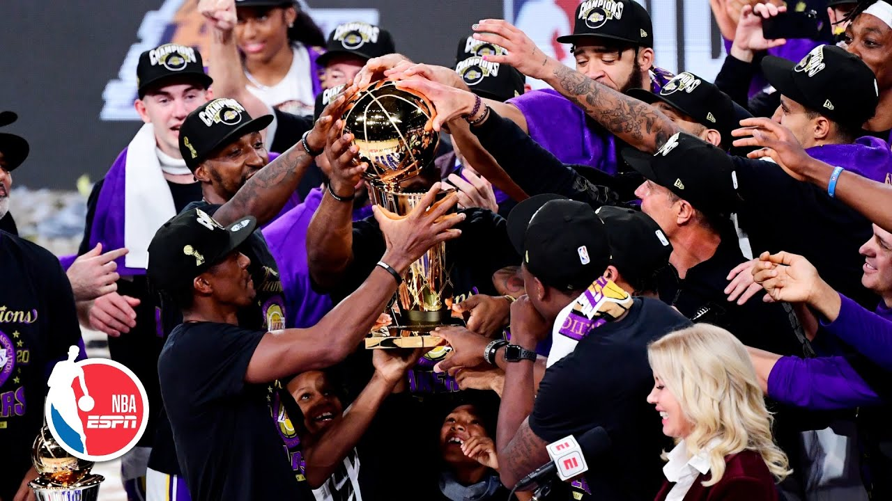 Los Angeles Lakers celebrate with the Larry O'Brien trophy | 2020 NBA Finals