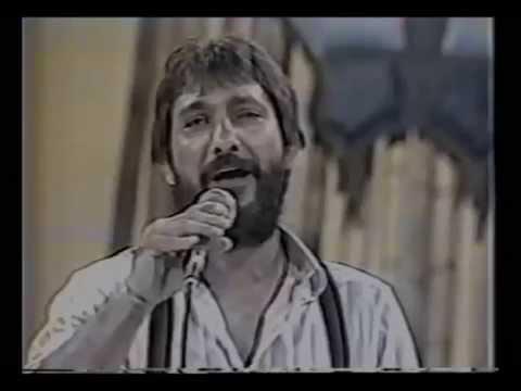 BANDA MOXOTÓ & VALDECK DE GARANHUNS - 1988 - TV MANCHETE - AGITA BRASIL - AMOR BALANÇADO