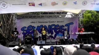 GOOD FRIENDS - Intro + Aku Bisa (Cover AK Flannela) Live at SMKN 7 Kota Tangerang