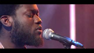 Michael Kiwanuka - One More Night [live @ De Wereld Draait Door]
