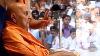 Guruhari Darshan 9 May 2015 - Pramukh Swami Maharaj
