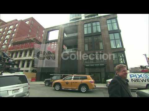 NY:FASHION DESIGNER L'WREN SCOTT APT EXTERIORS
