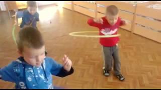 Как научиться крутить обруч в детском саду. Творческие мальчишки.