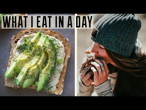 WHAT I EAT IN A DAY | Healthy Camping Food