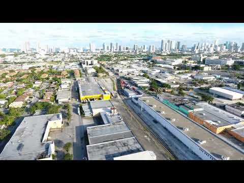 """Industrial warehouse in Allapattah, Miami, Florida for sale!  Some call it """"The next Wynwood"""""""