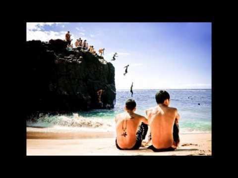 Не надо пустых разговоров о счастье, не надо - Михей и Джуманджи - слушать онлайн
