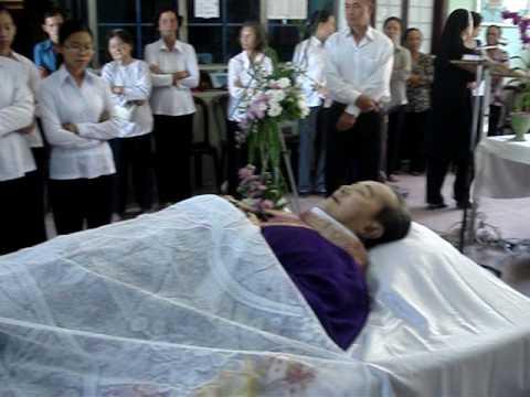 Lễ tang cha sở họ đạo Cái Mơn Giuse Thích_Lúc chưa nhập quan
